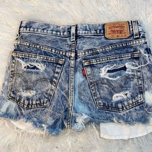 High waisted distressed denim LEVI shorts